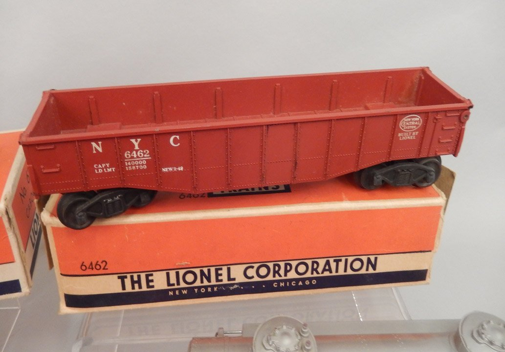 Lionel postwar freight train set in boxes - 4