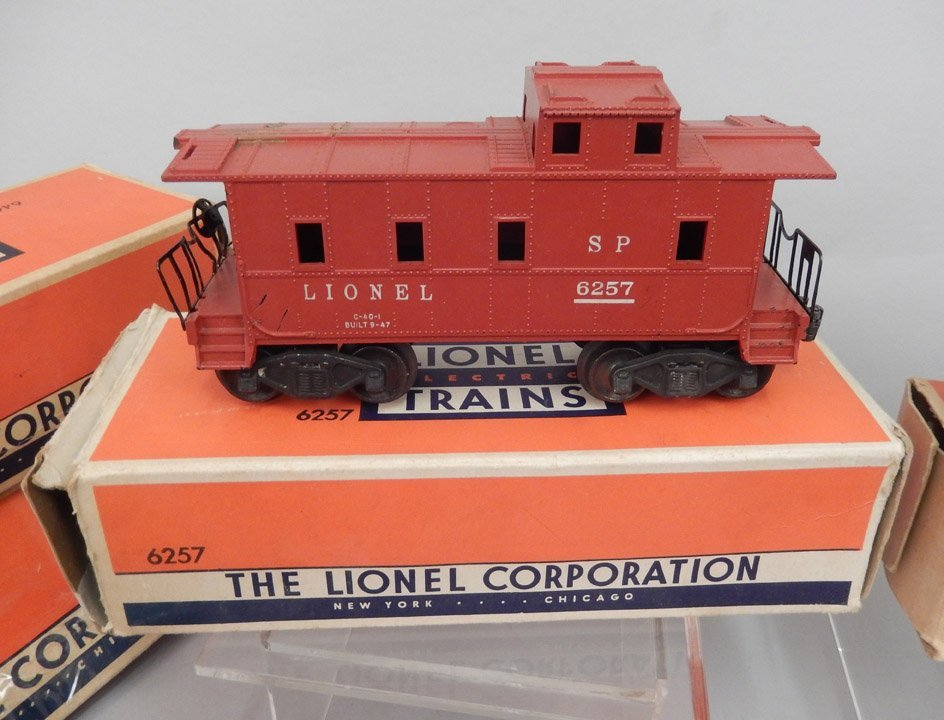 Lionel postwar freight train set in boxes - 5