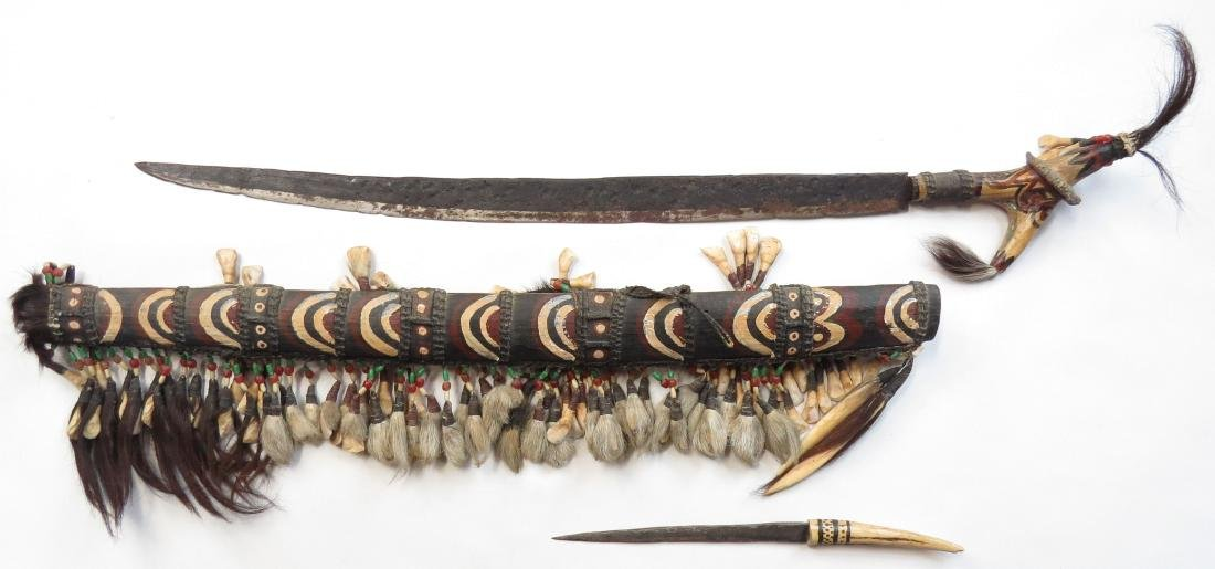 A DECORATIVE DAYAK MANDAU SWORD - 4