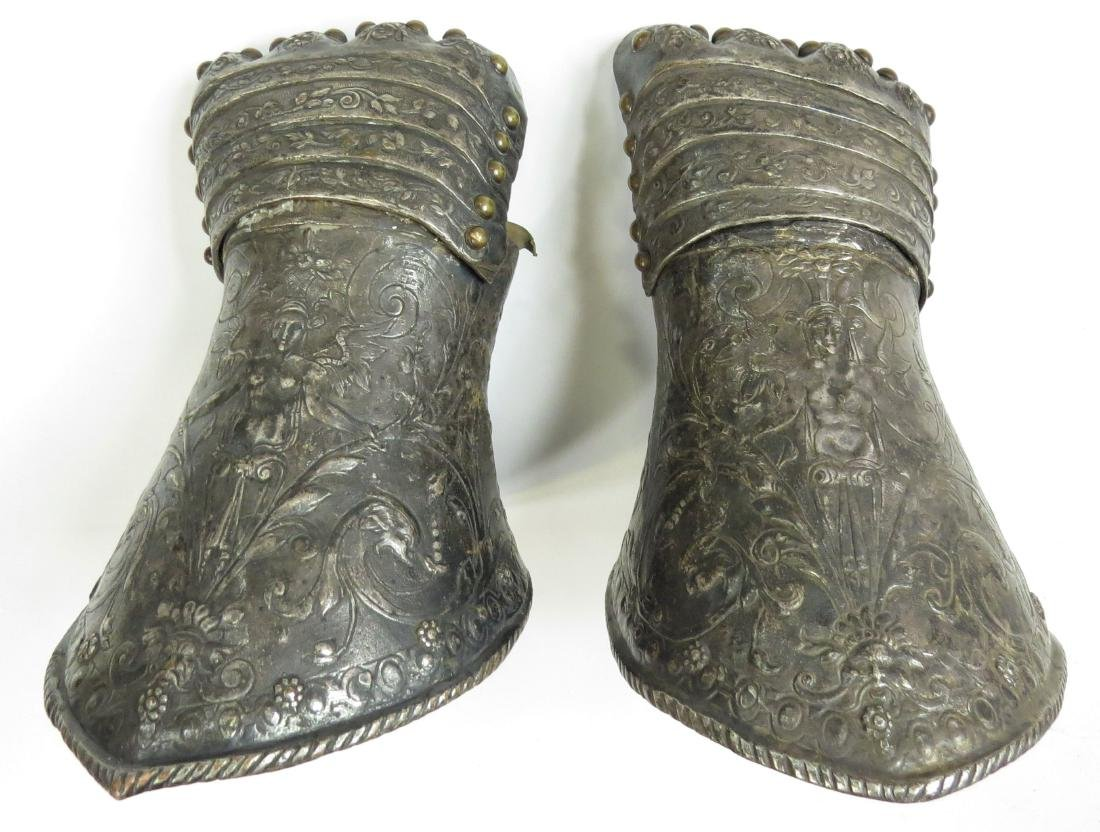 A FINE PAIR OF ARMOR ELEMENTS GAUNTLETS