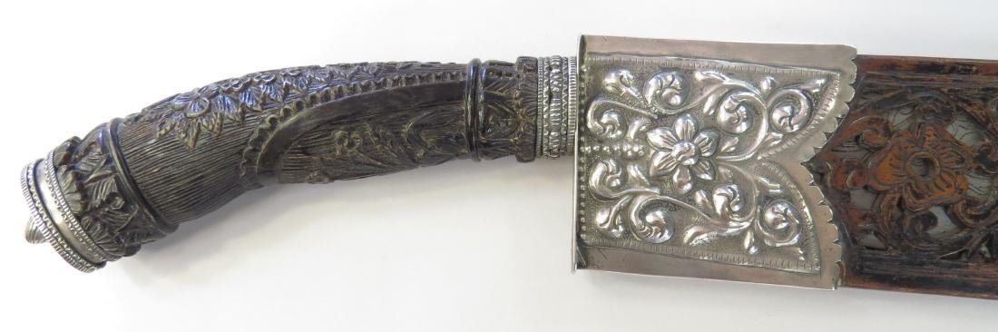 A FINE PHILIPPINES BOLO KNIFE - 2