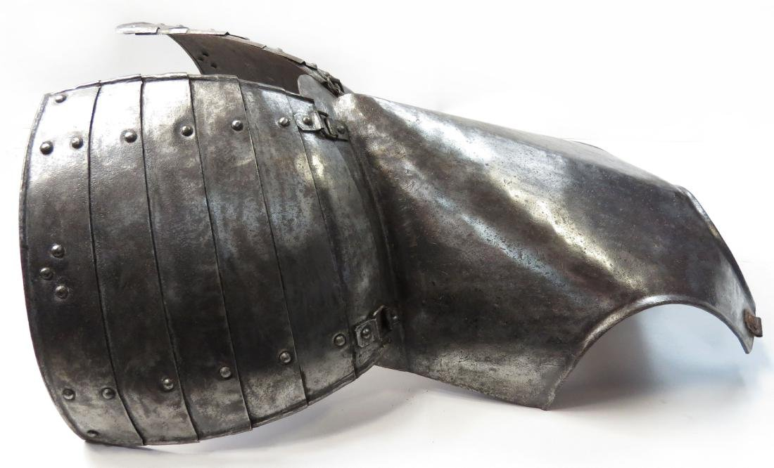 A RARE ENGLISH PIKEMANS ARMOR - 3