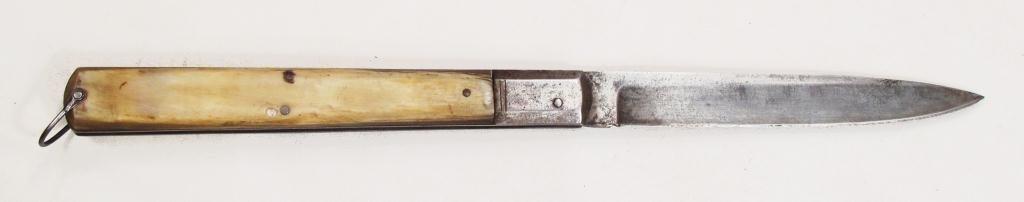 AN ITALIAN CLASP KNIFE