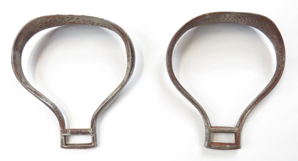 A PAIR OF CONTINENTAL MILITARY STIRRUPS - 3