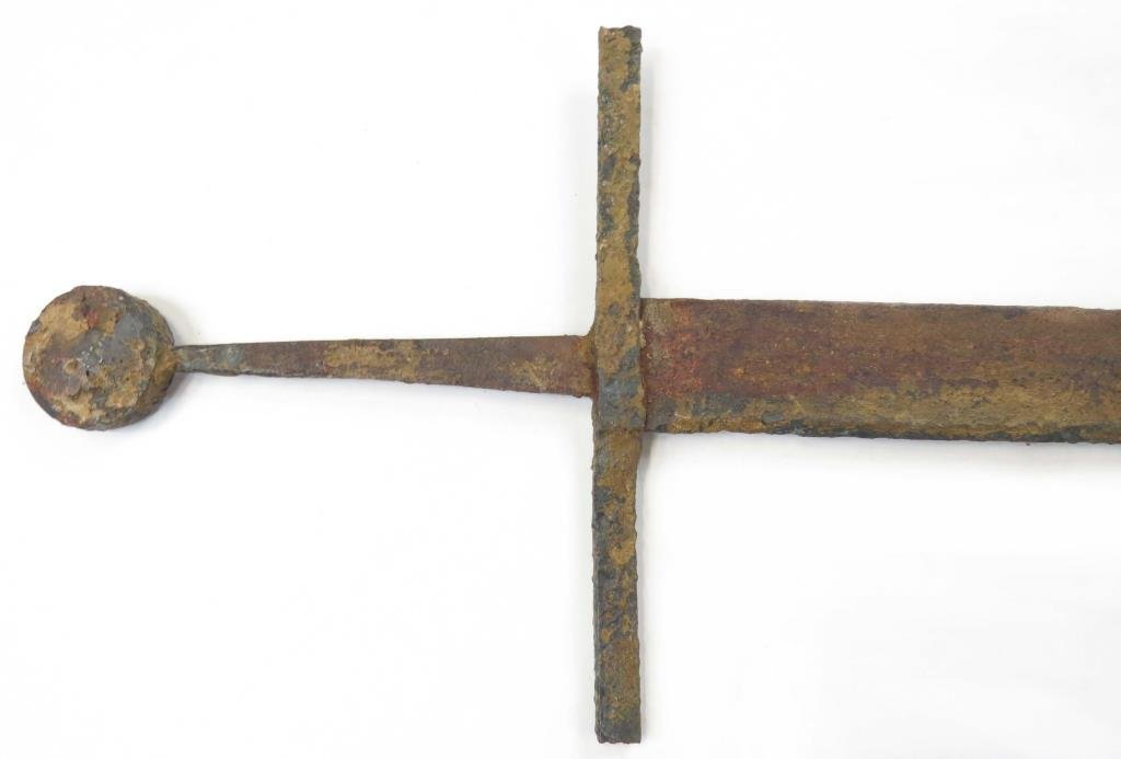 A MEDIEVAL FALCHION SWORD - 2