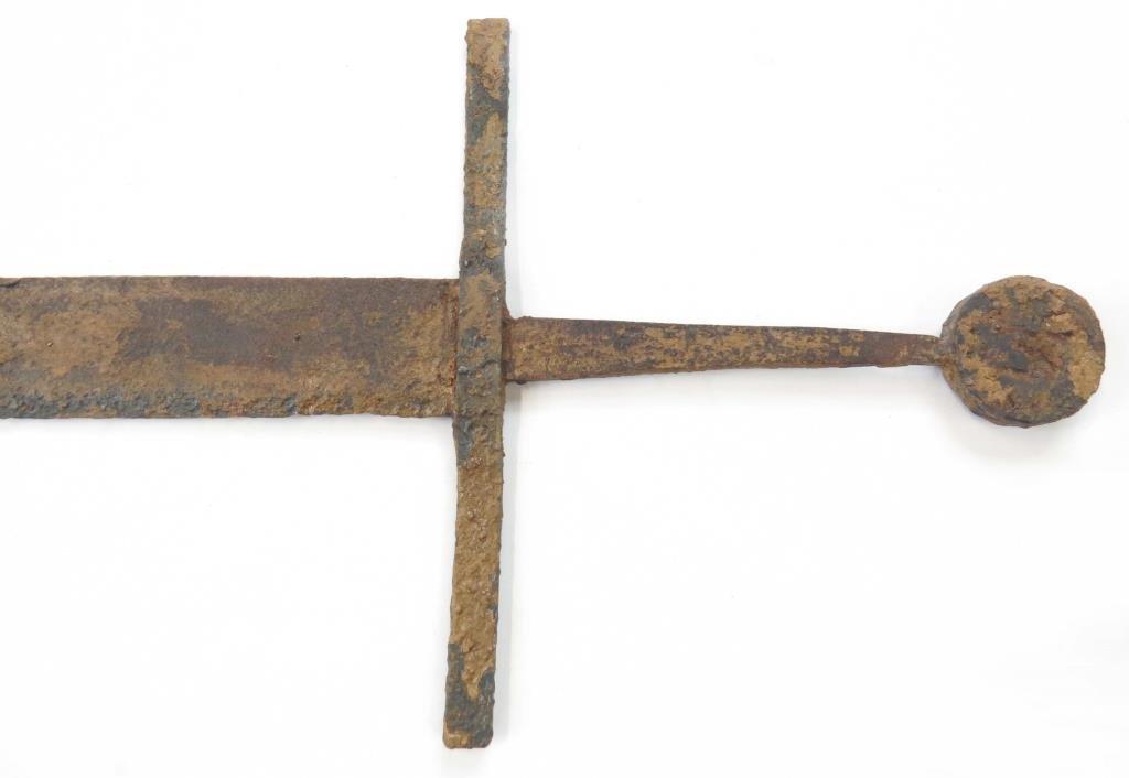 A MEDIEVAL FALCHION SWORD - 6