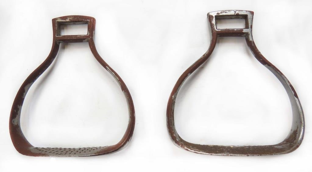 A PAIR OF CONTINENTAL MILITARY STIRRUPS
