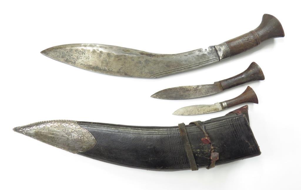 A NEPALESE KUKRIE KNIFE