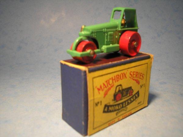 3: Matchbox,1A, Aveling Barford Road Roller,