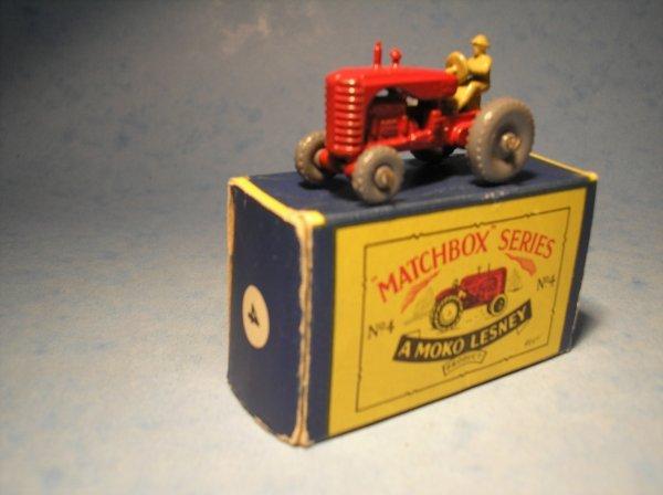 21: Matchbox 4B Massey Harris Tractor