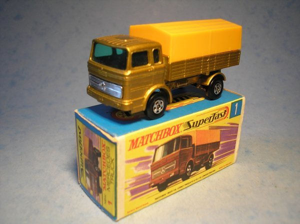 370: Matchbox Superfast, 1A CM3, Mercedes Truck