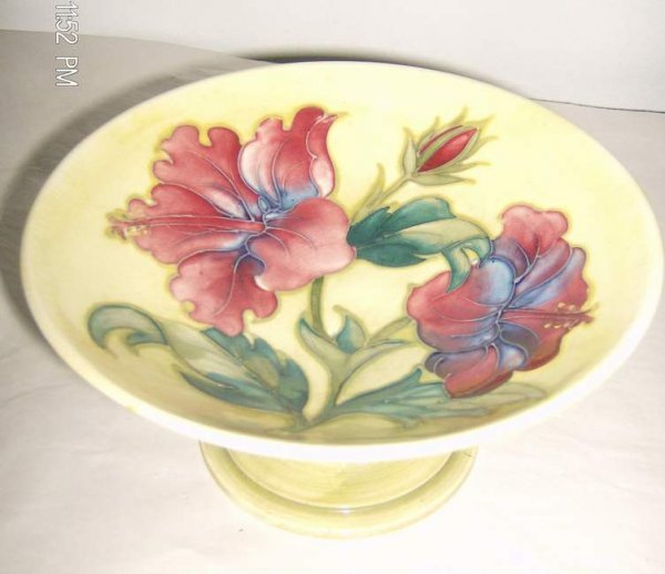 20: Moorcroft pottery small compote
