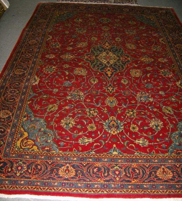 321: Saruk carpet 10'8 x 7'