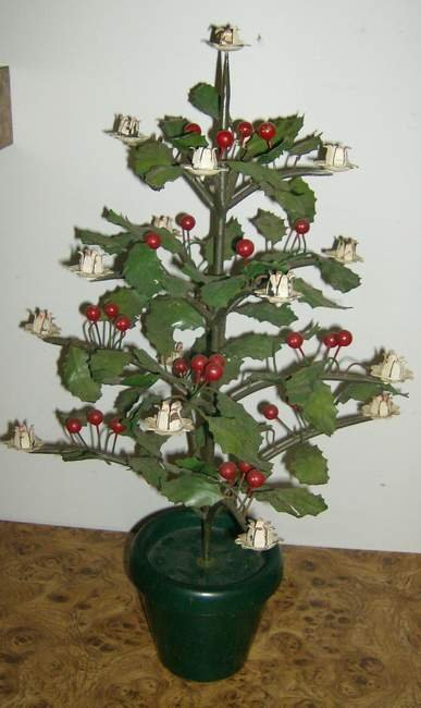 3: Iron Holly christmas tree with candle holders