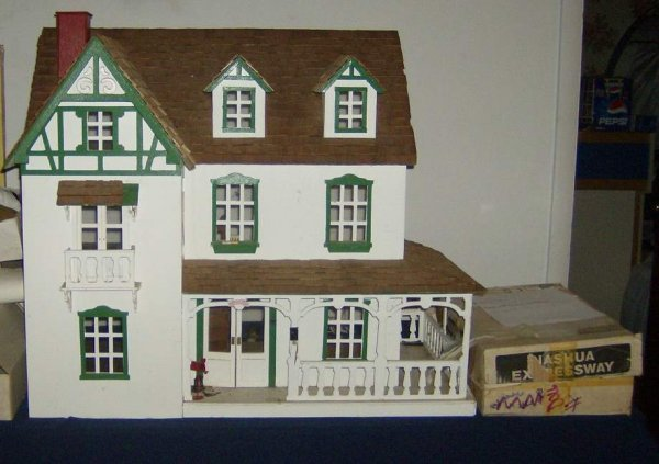 12: Doll House with furniture