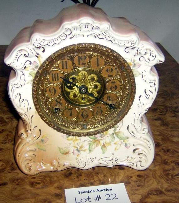 22: Porcelain mantle clock