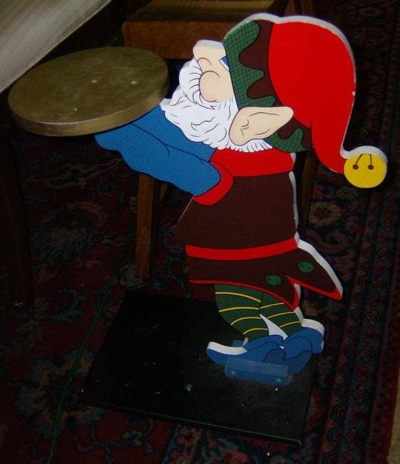 2A: Paint decorated Elf stand