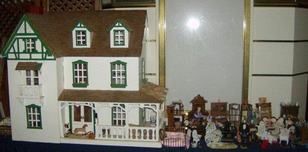 307: Doll House & Doll Furniture & Dolls