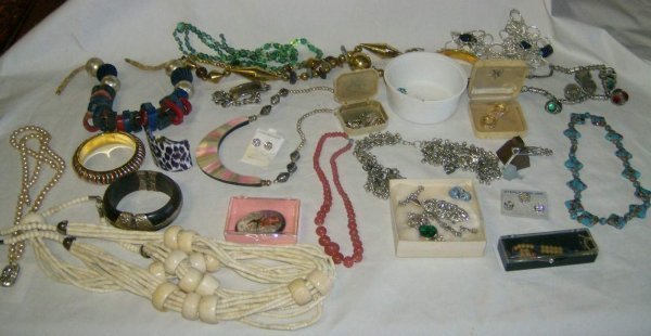 317: Lot of Jewelry inc sterling silver