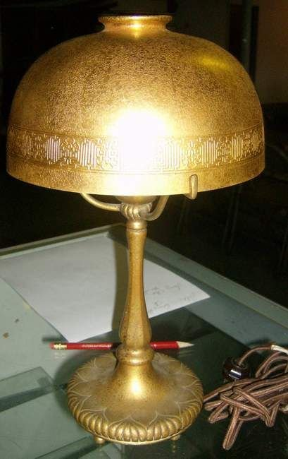387: Tiffany Studios lamp #322