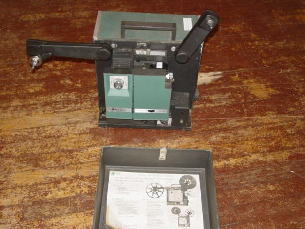 1005: Bell & Howell Movie Projector with Sound-