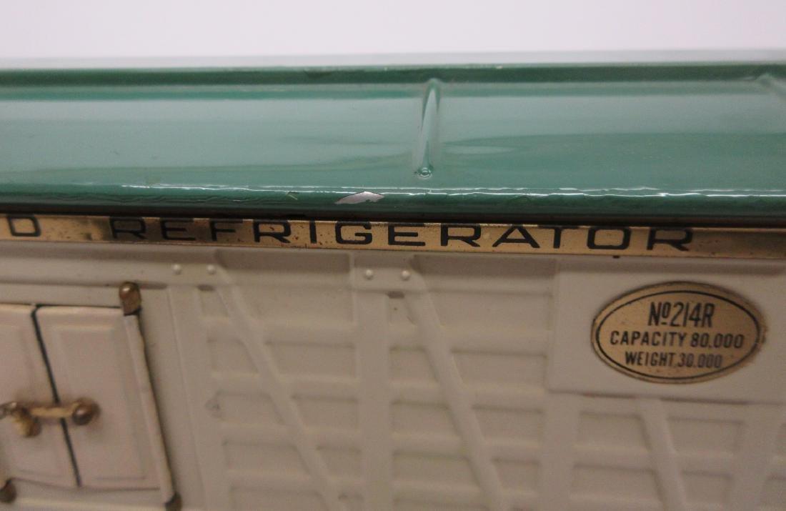 LIONEL 214R REFRIGERATOR CAR IN WHITE OB - 8