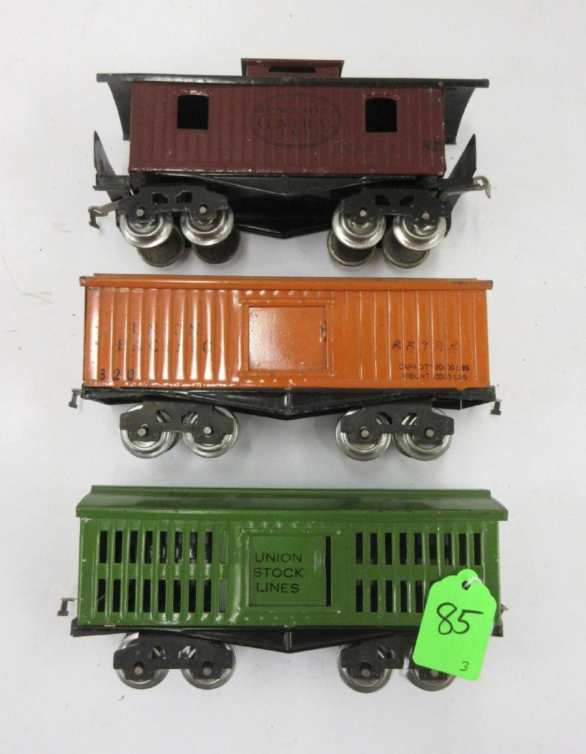 LIONEL 3 EARLY FRTS - 820 BOX, 821 STOCK & 822 CABOOSE