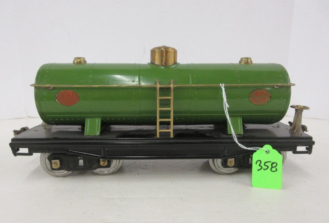 LIONEL 215 GREEN OIL CAR