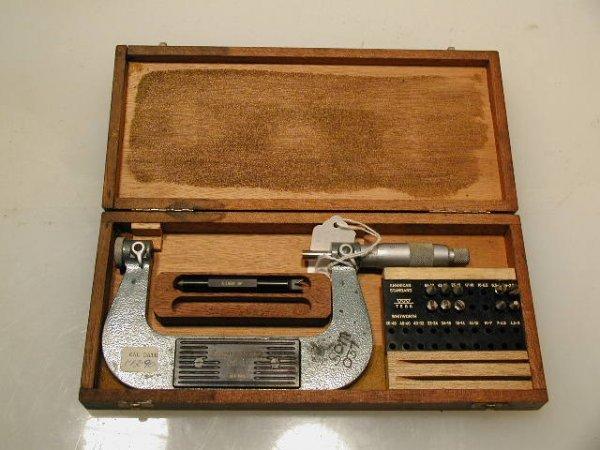 502: Brown Sharpe / Tesa 210-4 Threadmaster Micrometer