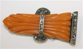 Vintage Bakelite carved butterscotch sheaf of wheat pin
