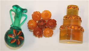 lot of 2 Vintage Bakelite pins incl apple juice cake