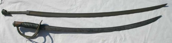 1006: Civil War calvary sabre w US 1860 calvary sabre b