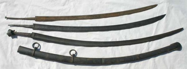 1009: 3 early sword blades