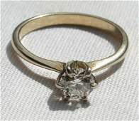 171A: 14k gold ring w beautiful diamond solitaire