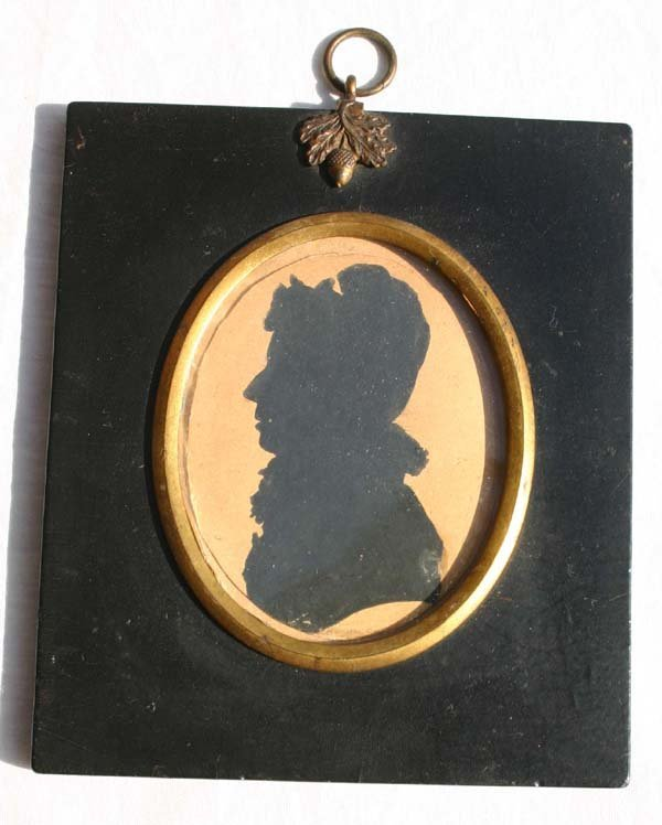 1005: ca 1790 paper mache framed w/c painted silhouette
