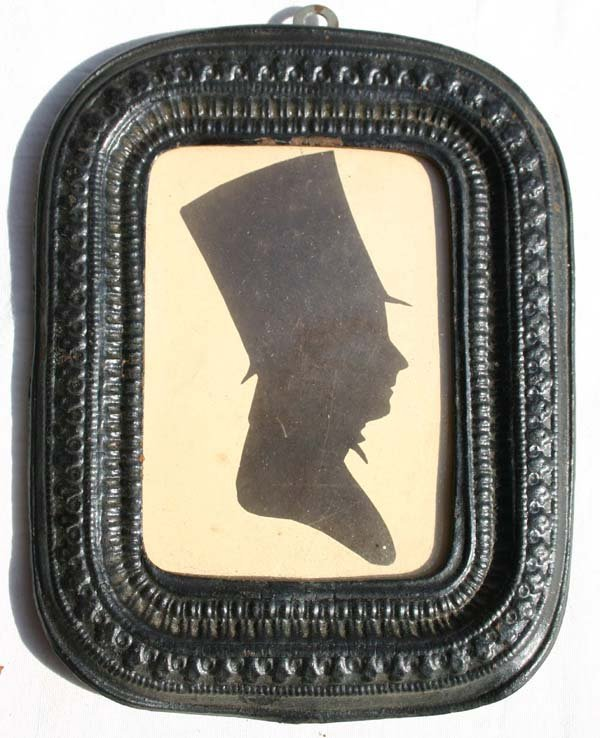 1007: ca 1840 hollow cut silhouette portrait of a gent
