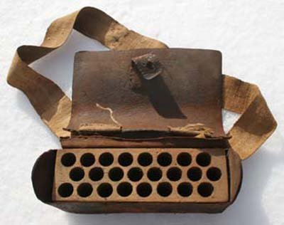 6: ca 1780-1800 American leather cartridge box w wooden