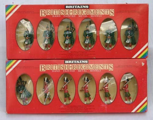 9A: lot of 2 original boxed Britains soldiers Gordon Hi