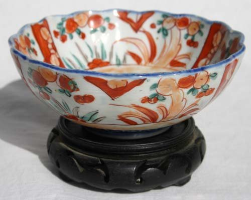"14: antique Imari 5 1/4"" scalloped bowl on stand & Expo"