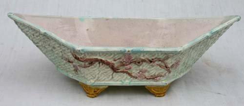 """15: lg antique Majolica ftd center piece bowl - 15"""" lon"""