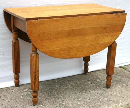 15: 19thC oak dropleaf kitchen table
