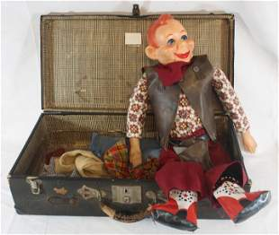 Vintage Howdy Doody puppet in suitcase w extra clothes