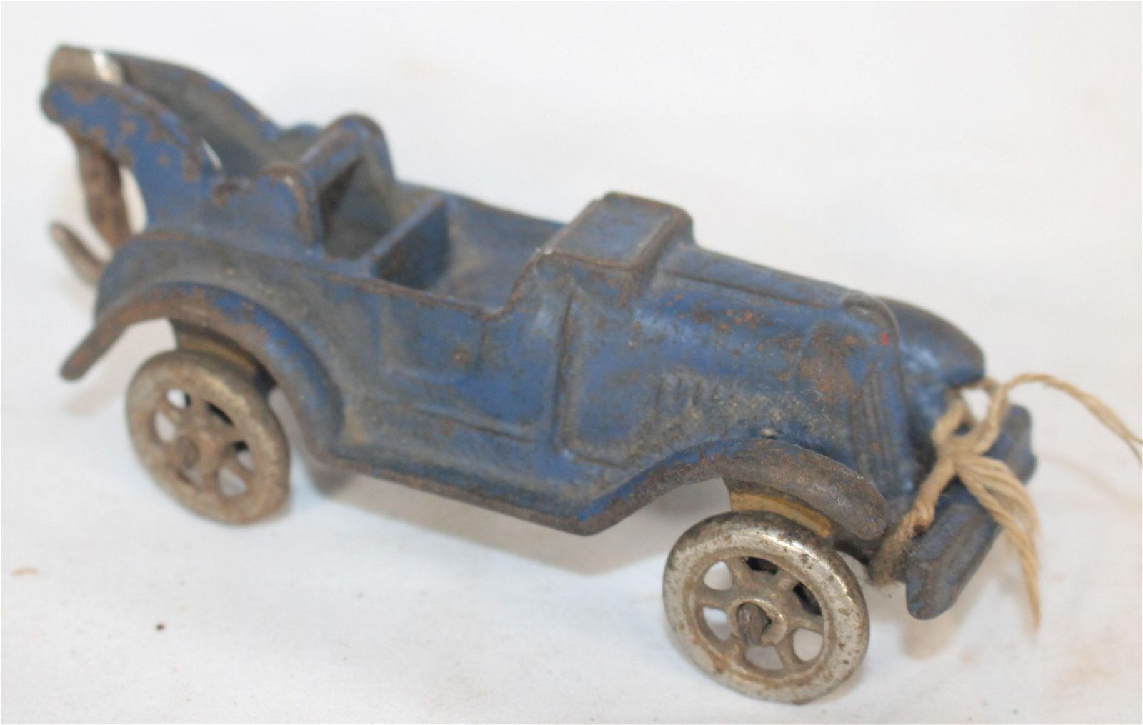 """Antique cast iron tow truck in blue paint - 5"""""""