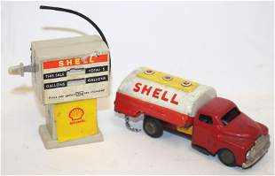 Shell oil diecast together w a shell gas pump