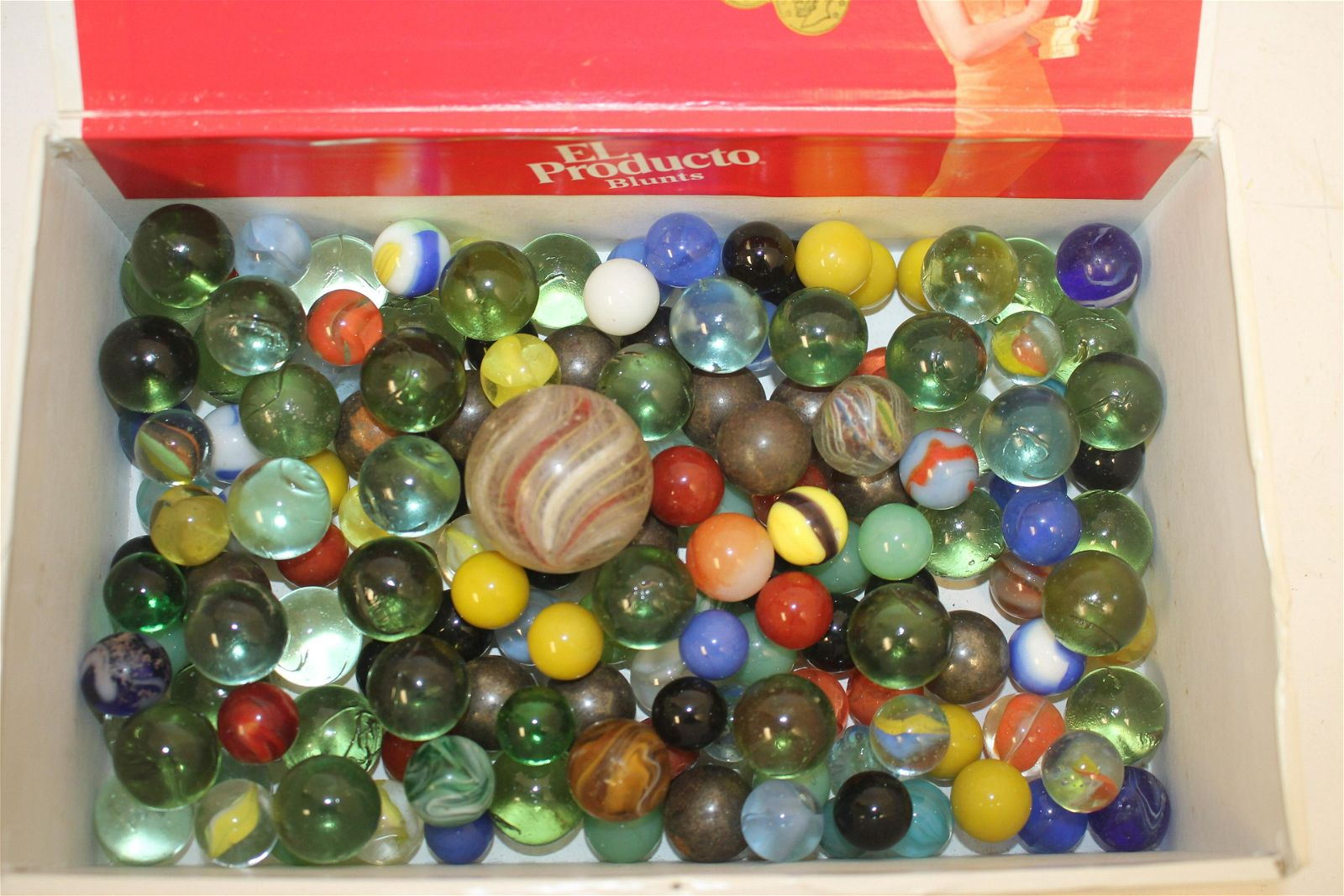 Large lot of marbles