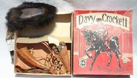 """11: Davy Crockett orig boxed """"Frontier Outfit"""" by Halco"""
