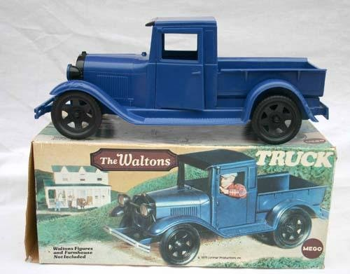 "336: Ideal hard plastic ""Beverly Hillbilly's"" truck w c"