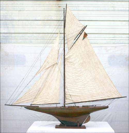 16: Great Large vintage pond yacht w varnished hull, a