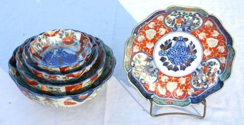 13: lot of 5 antique Imari porcelain items incl nest of