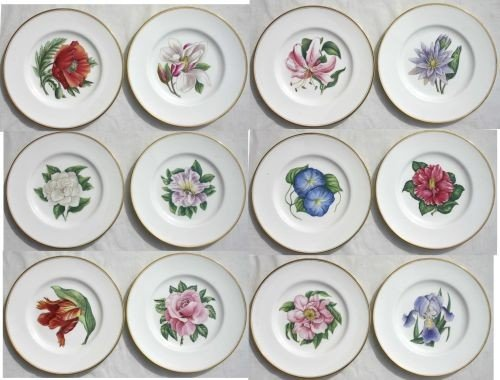 19: exceptional set of 12 Royal Worcester gold bordered